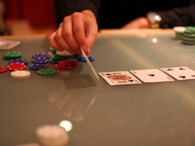 کارت های عمومی در پوکر